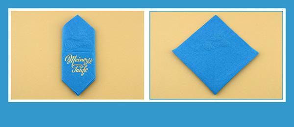 Papierservietten falten zur Taufe Bestecktasche beschriftet